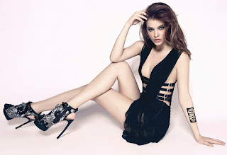 Barbara Palvin Wallpaper Black Dress and high heel cosmopolitan