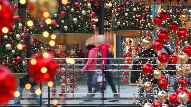 Εορταστικό ωράριο στα καταστήματα από τις 15 Δεκεμβρίου- Ανοιχτά τρεις Κυριακές