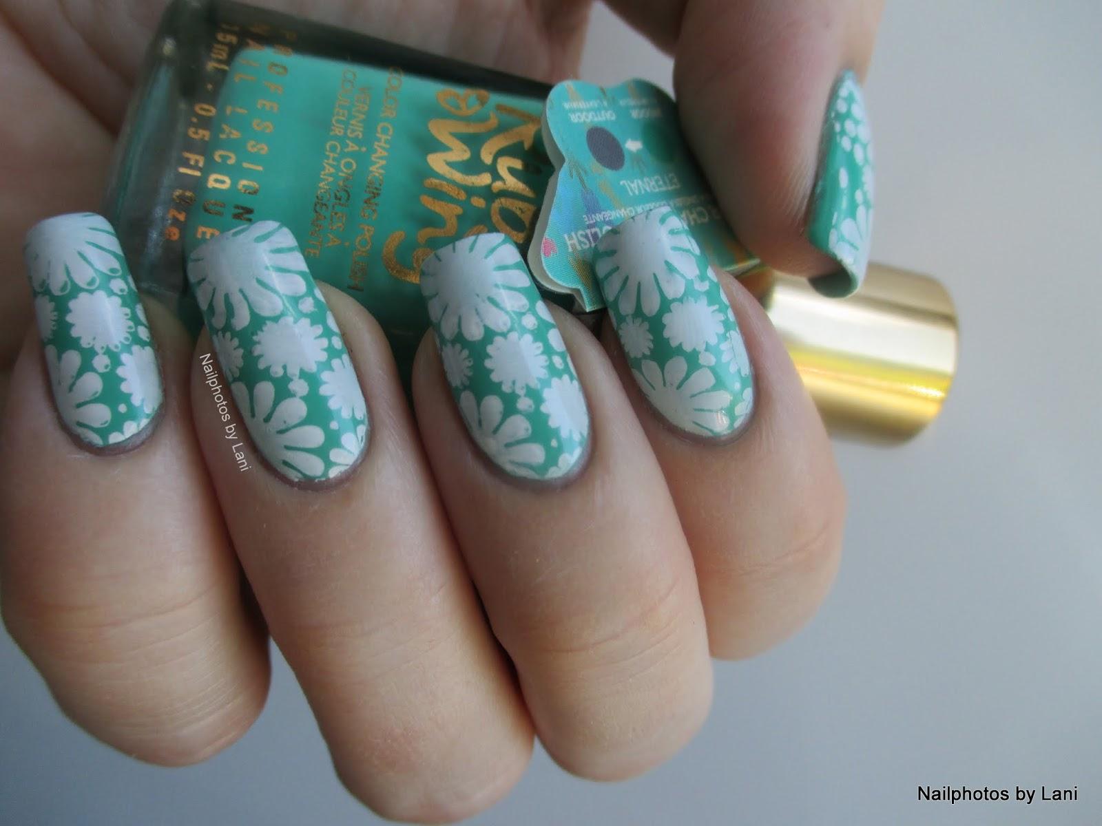 December Solstice & Advent Nails - stamping nail art