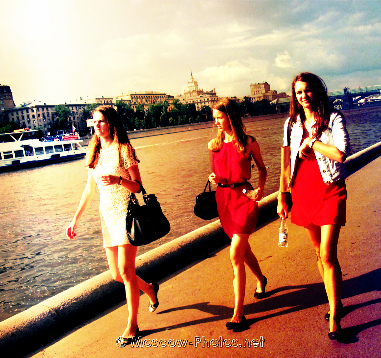 Independent Moscow Girls and Summer