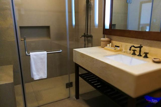 Bath room in Acea Subic Bay Hotel