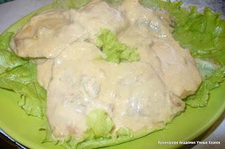эскалопы из свинины на сковороде в сырном соусе