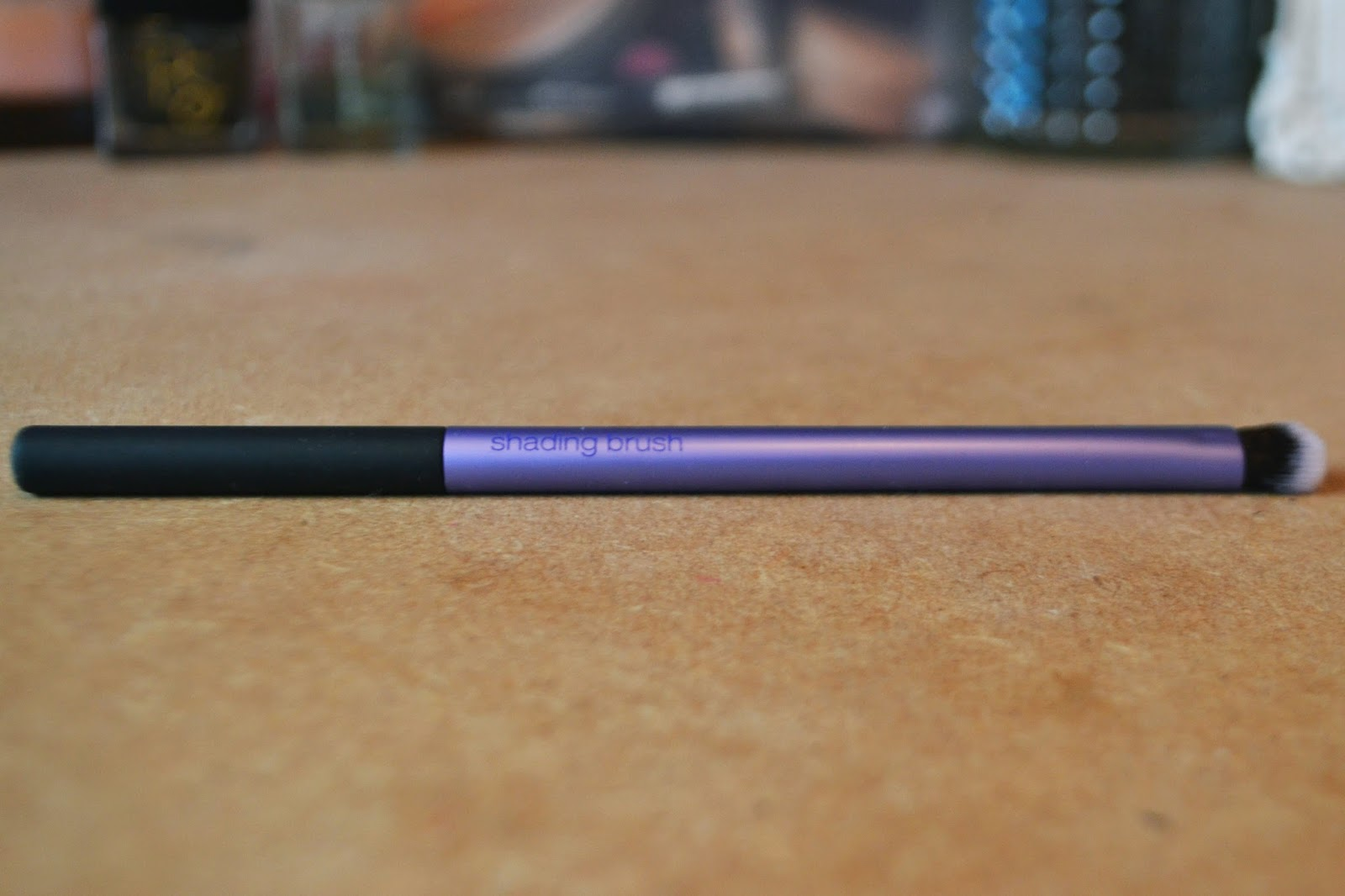 small purple eyeshadow shading brush