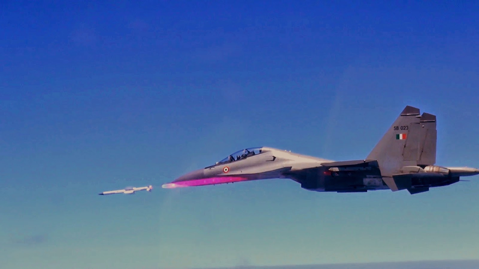 Astra missile debuts from a Sukhoi-30MKI fighter