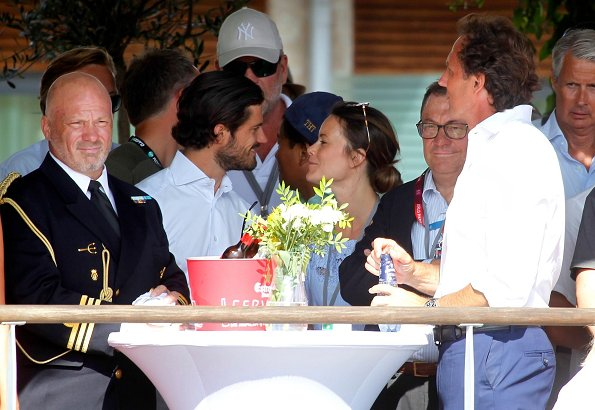 Prince Carl Philip and Princess Sofia were seen in Bastad Pepe's Bodega Club located on the western coast of Sweden together with their children
