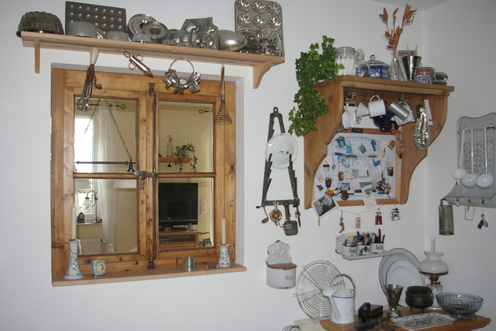 klein e s haus fenster zur k che. Black Bedroom Furniture Sets. Home Design Ideas