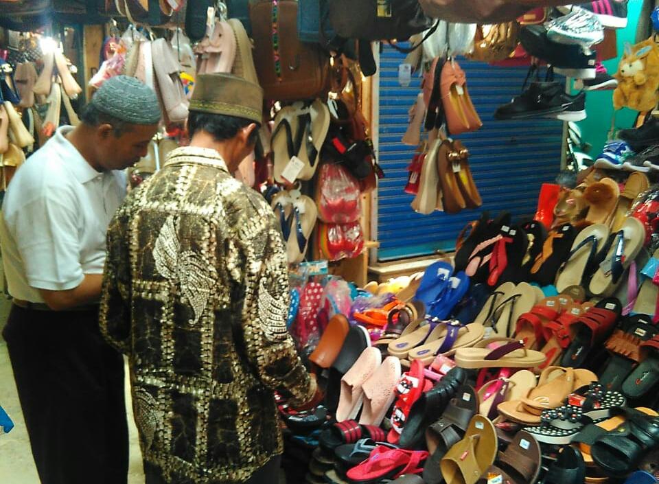 Tetap Bertahan Dipenampungan Pasar Induk Wonosobo Yang Semrawut
