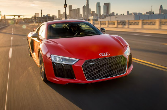 2017 AUDI R8 V10 PLUS REVIEWS