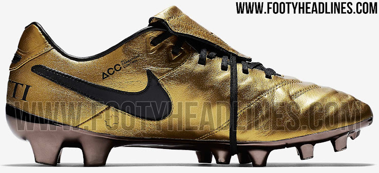 huge selection of b78b4 4ddc8 Nike Tiempo Totti X Roma Signature Boots Released - Footy ...