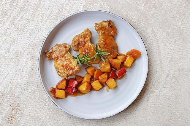 Συνταγή για Μπουτάκια Κοτόπουλου με Ροδάκινα