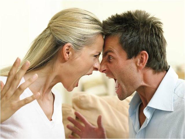 5 erreurs commises par l'homme détruit son mariage