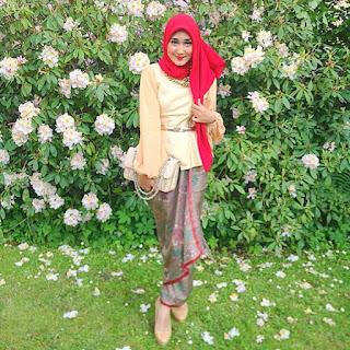 Trend Baju Batik Kebaya Dian Pelangi