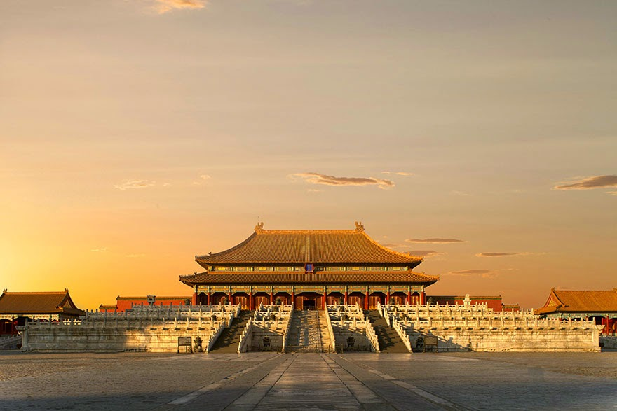 16 Of Your Favorite Landmarks Photographed WITH Their True Surroundings! - Forbidden City, Beijing