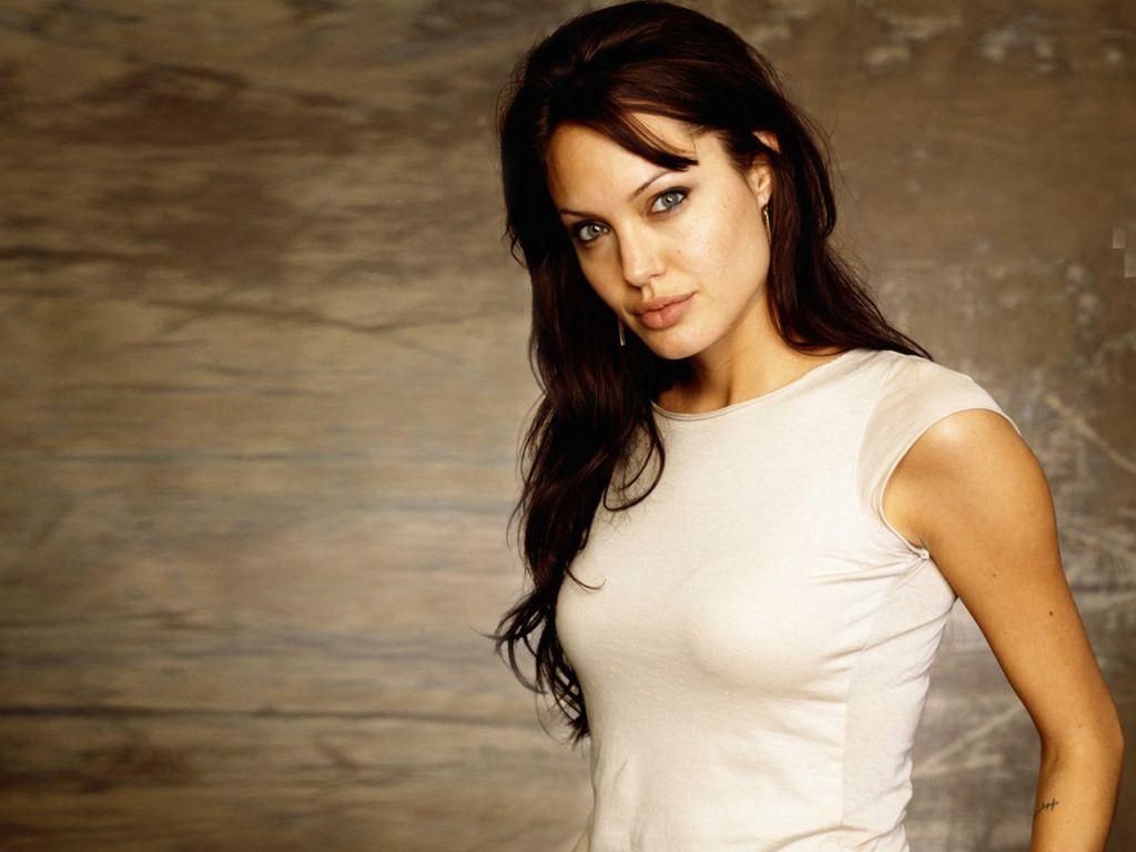 Angelina Jolie Hd Wallpapers: Angelina Jolie Wallpaper