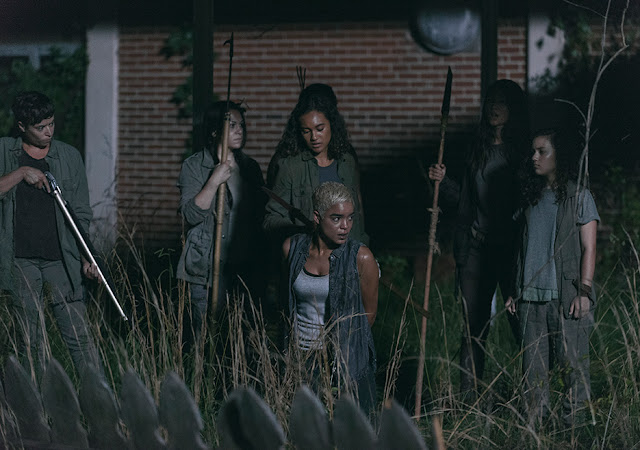 Beatrice (Briana Venskus), Cyndie (Sydney Park), Arat (Elizabeth Ludlow), Kathy (Nicole Barré) e Rachel (Mimi Kirkland) nell'episodio 3