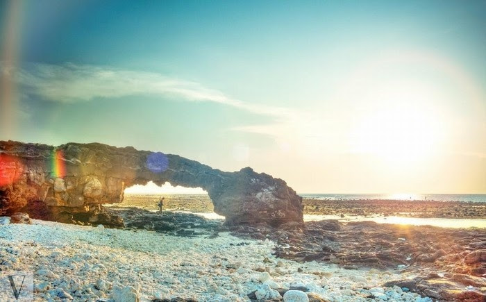 Cổng tò mò tuyệt đẹp trong ánh nắng mai