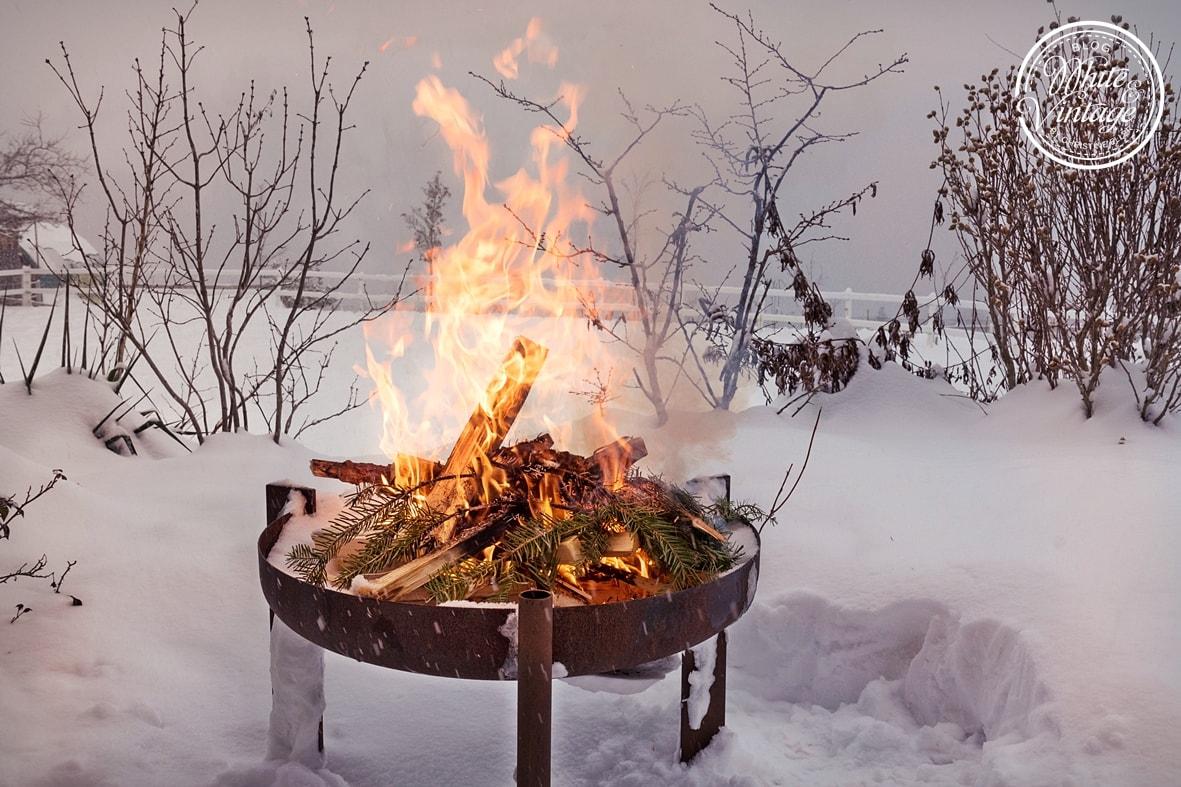 Feuerschale: Grillen im Winter.