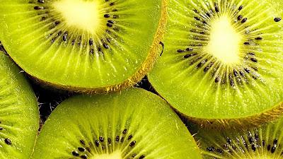 buah kiwi segar