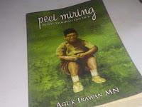 Peci Miring, Novel Biografi Gus Dur