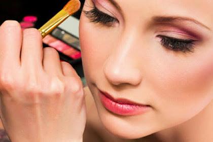 Manfaat Air Mawar Untuk Bibir Hitam