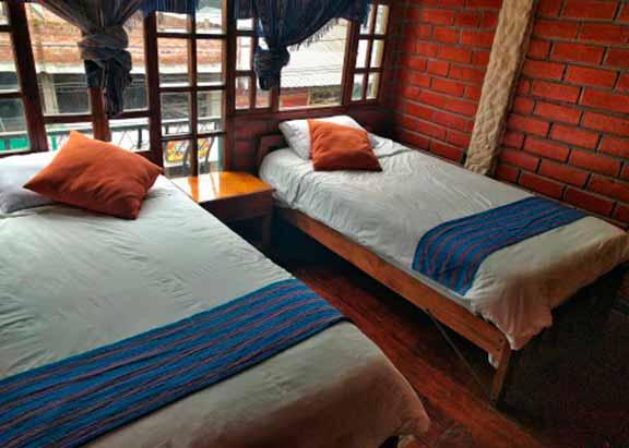 Erupcion Backpackers Hostel - Hotel en Baños por menos de 20 dólares