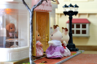 diorama, dollhouse, Melinda Cakebread, miniature, Poodle Cakebread Family, Sylvanian Families, Town series, Village Cakeshop