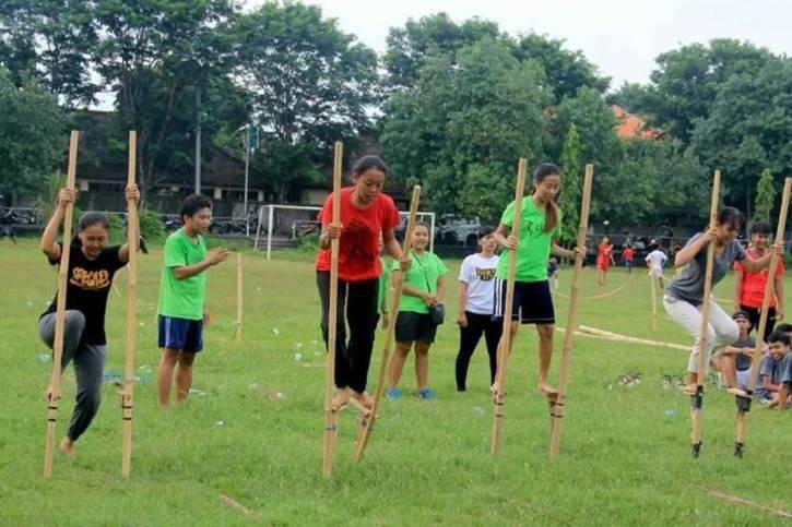 Permainan Tradisional Bali Metajog