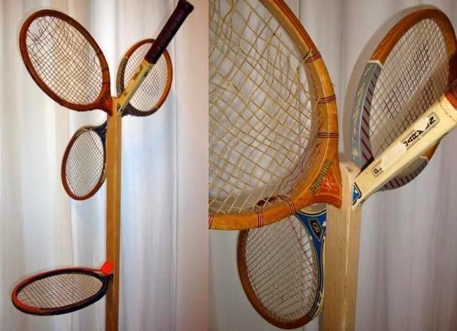 Reutilizar raquetas de tenis para crear un perchero reciclado