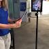 Leapp test robot op afstand in winkel