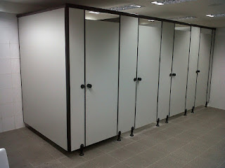 material cubicle toilet