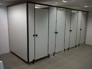material cubicle toilet