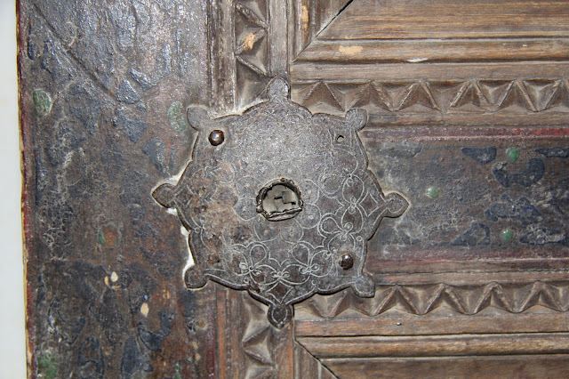 Ouzbékistan, Kokand, Palais de Khodayar Khan, place Mukimi, porte, © L. Gigout, 2012