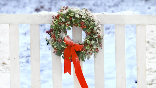 Christmas Wreath HD Wallpapers Free Download