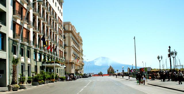via Caracciolo, alberghi, hotel, strada, Vesuvio