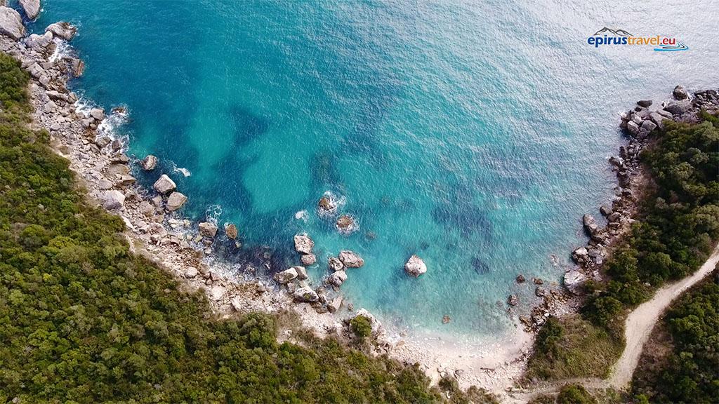 Αγιος Σώστης Πάργας: Μια καλά κρυμμένη παραλία που προλαβαίνεις να ανακαλύψεις![video]