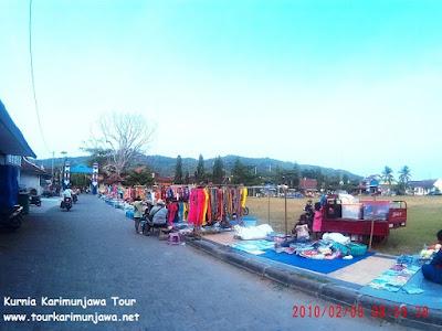 alun-alun pusat souvenir karimun