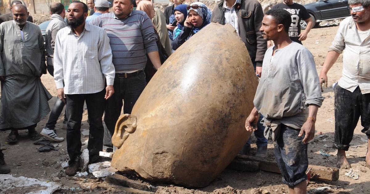 Gran error: El coloso hallado en Egipto no es de Ramsés II sino de otro Faraón