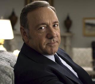 Após acusações de assédio, Netflix corta Kevin Spacey de 'House of Cards'.