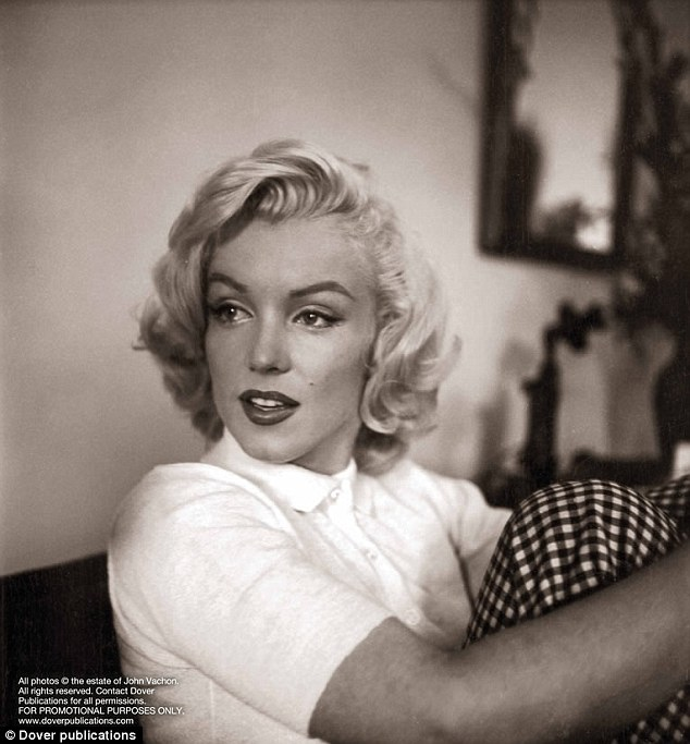 Marilyn monroe august 1953 the lost look photos vintage everyday - Housse de couette marylin monroe ...