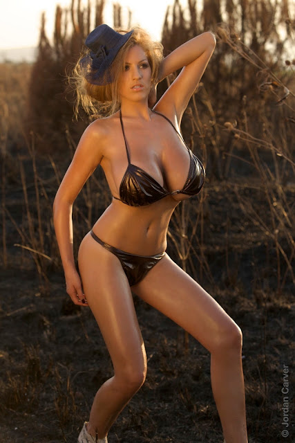 Jordan-Carver-Scorched-HD-photoshoot-and-sexy-hot-picture-21