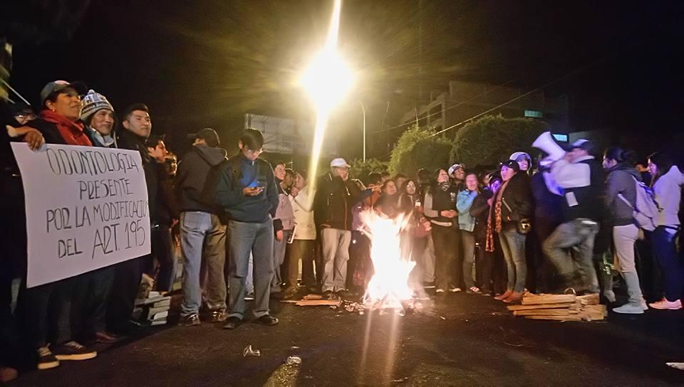 El Alto acordó subir la presión cívica de 24 a 48 horas en respaldo a la UPEA / RADIO UPEA
