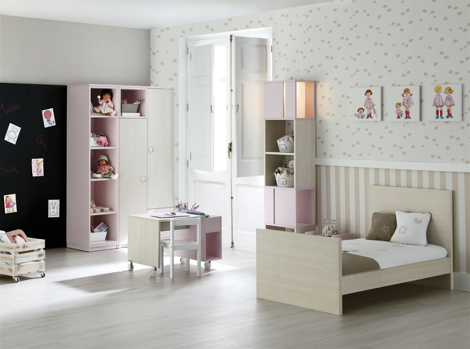 mobilier enfant et junior du berceau au lit d enfant. Black Bedroom Furniture Sets. Home Design Ideas