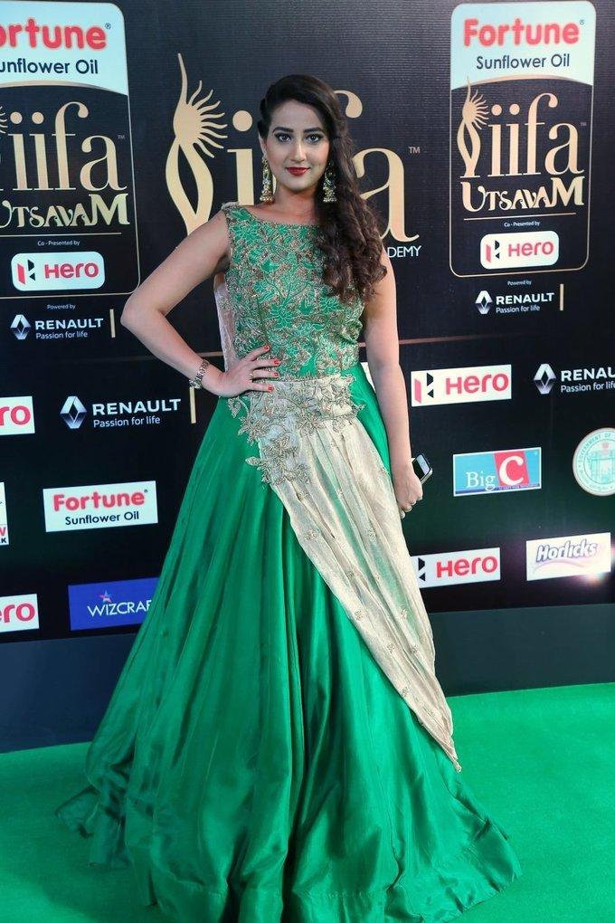 Telugu TV Anchor Manjusha At IIFA Awards 2017 In Green Dress