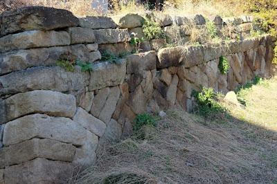 古民家カフェ ひとつ石 石垣
