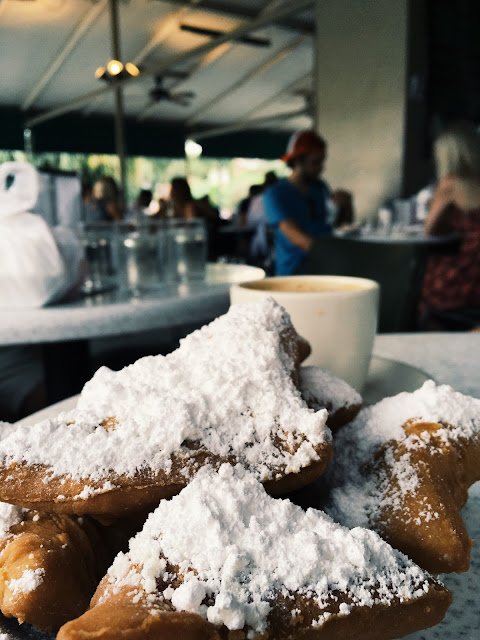 cafe du monde, beignets, new orleans, powdered donuts, lauren banawa