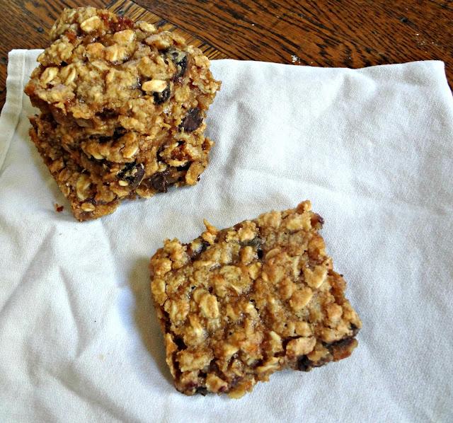 Gooey Peanut Butter Oatmeal Chocolate Chunk Bars (gluten free, dairy free, low fat)