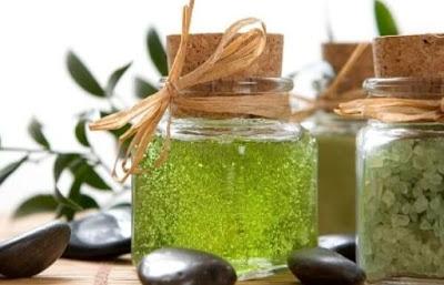 Những mẹo làm đẹp từ tinh dầu trà xanh