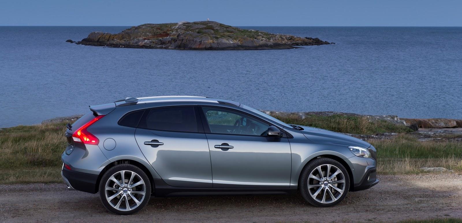 VOLVO%2BV40%2BCROSS%2BCOUNTRY%2B1.5%2BT3%2BAUTO 4 Το Volvo V40 Cross Country με το νέο κινητήρα 1,5 λίτρων, απόδοσης 152 ίππων από 21.900 €