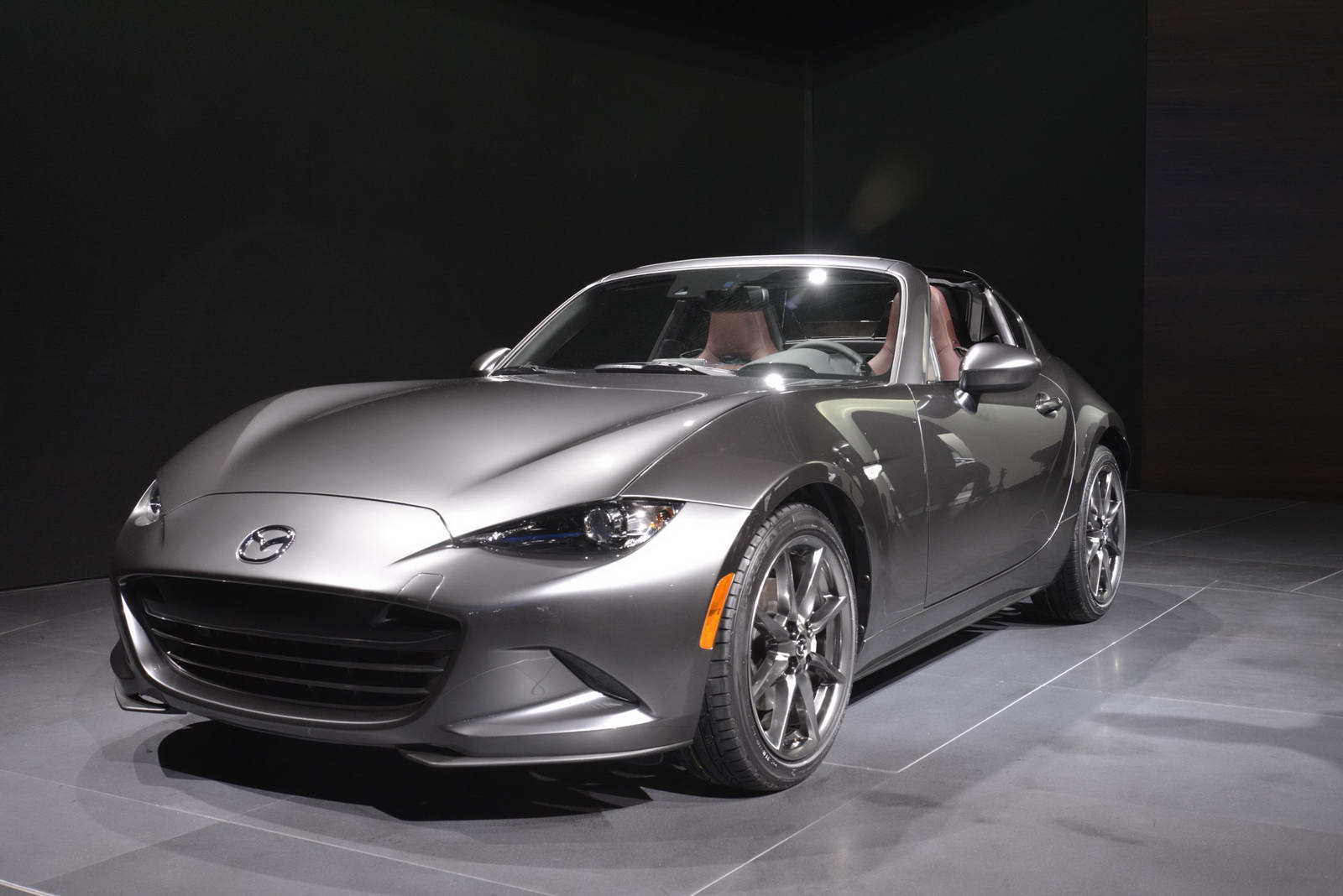 2017 mazda mx 5 gets hard for nyc calls itself the rf carscoops. Black Bedroom Furniture Sets. Home Design Ideas