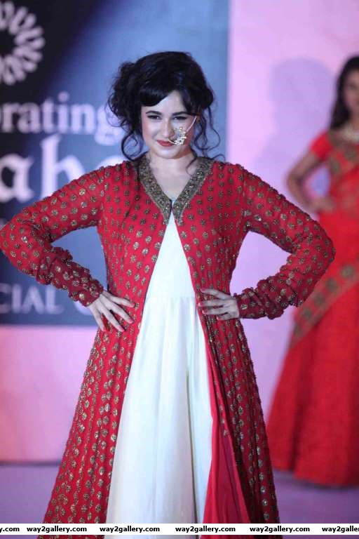 Yuvika Chaudhary walked the ramp at Vivaha Fashion Show with Beti Foundation